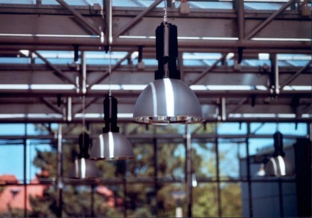Sæt den helt rigtige belysning med flotte lamper til boligen og arbejdspladsen